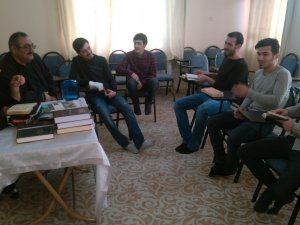 İzmir Öze Dönüş cumartesi derslerinde bu hafta Zuhruf suresine giriş yapıldı.