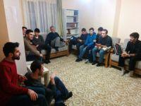 Öze Dönüş Derneği İzmir şubesi cumartesi dersleri kapsamında Şura Suresi 45-53 ayetlerini işledi.